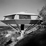 http://flavorwire.files.wordpress.com/2009/07/julius-shulman_45814662.jpg